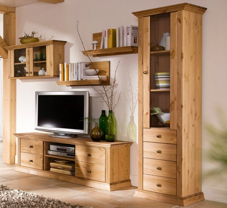 h ngeschrank vitrine aus kiefernholz gelaugt ge lt. Black Bedroom Furniture Sets. Home Design Ideas