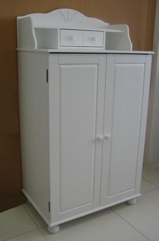 pc schrank aus massiver kiefer wei lackiert. Black Bedroom Furniture Sets. Home Design Ideas